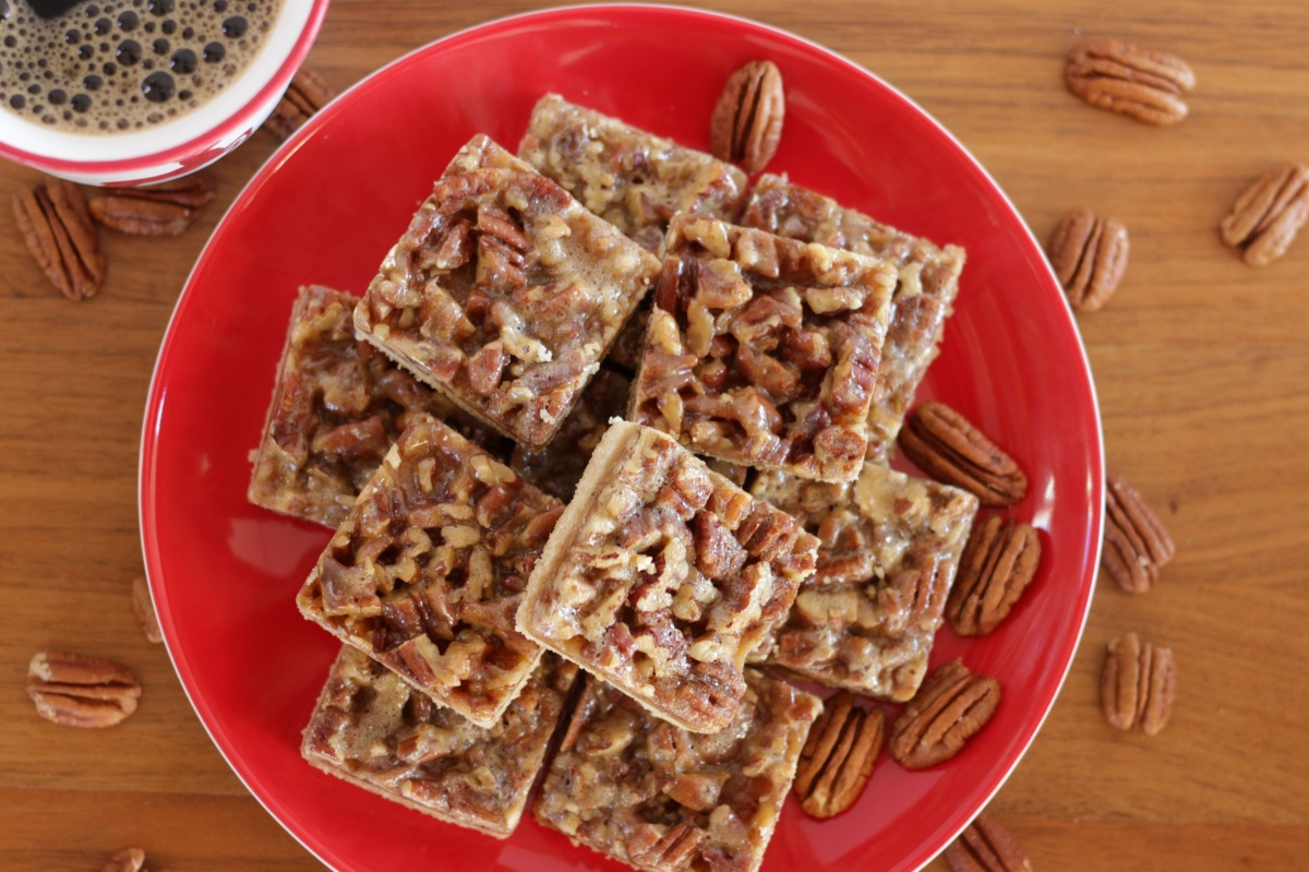 Soft & Chewy Pecan Bars ~ Living on Cookies
