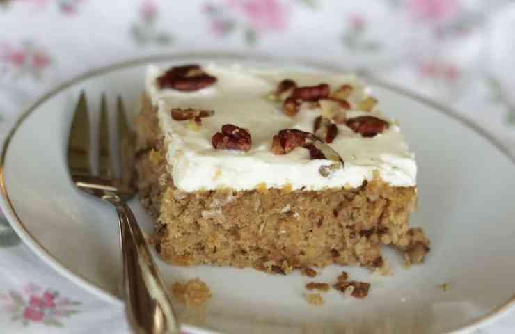Hummingbird Cake mit Cream Cheese Frosting