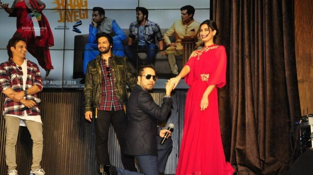 Here's Why Mika Singh Loves Contoversies!