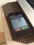 【iPhone】会議中や電車の中で、急に電話が鳴りだしたときに『一瞬で着信音(とバイブ)を消す』方法+α