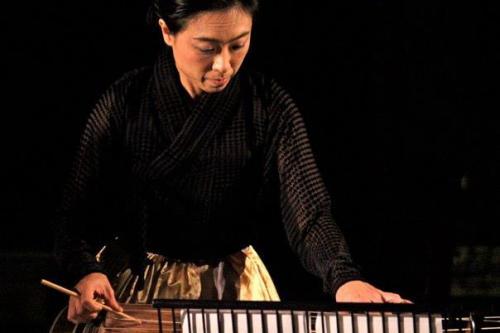 Heo Yoon-jeong (Geomungo) (Image � Melody McLaren