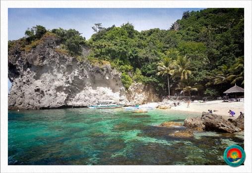 Traumstrand auf Apo Island