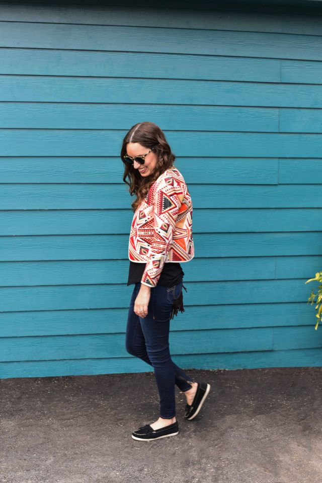 minnetonka newport moc, topshop embroidered jacket, true religion halle jeans, lone star looking glass, houston fashion blogger