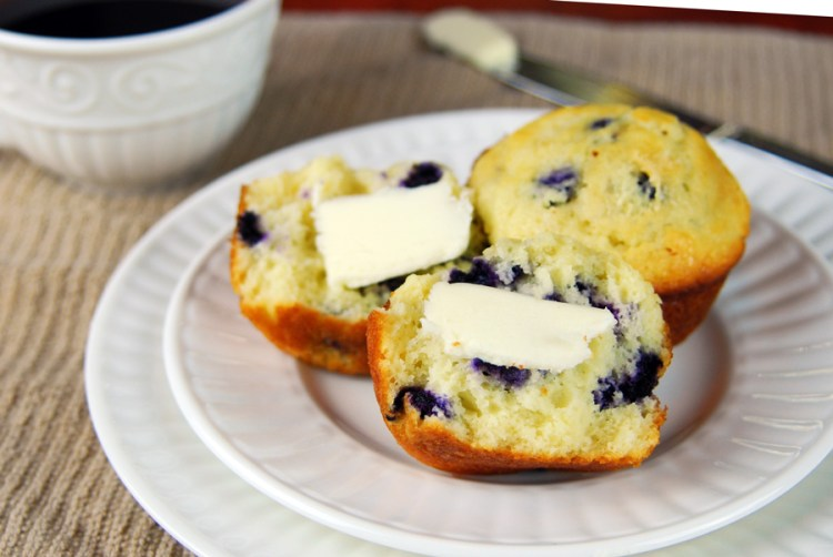 easy-homemade-blueberry-muffins
