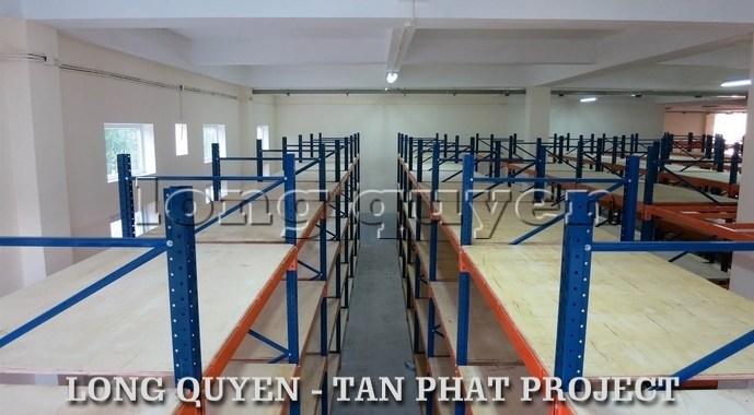 Giá kệ kho hàng hạng trung công ty Tân Phát (9)