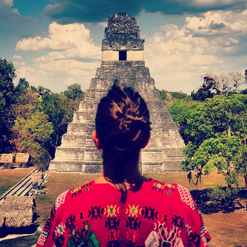 tikal-2 guatemala looking around