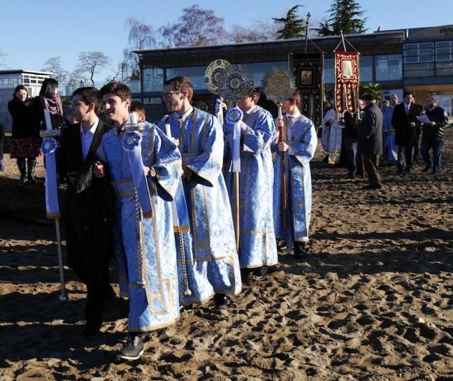 L69-011016-procession