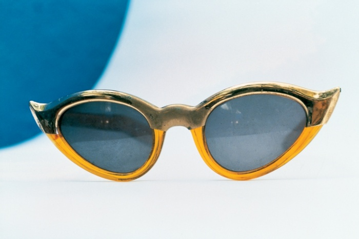 #50 Classic cats-eye glasses worn by Kahlo
