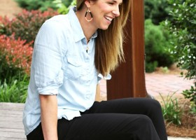 Chambray Work Shirt * Work Outfit Ideas (5)