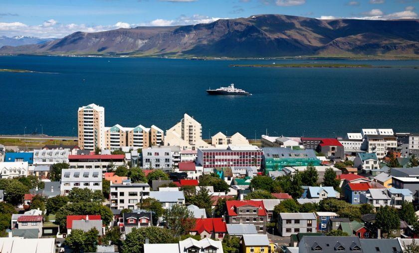 Credits: Reykjavik by Aviole/123 RF