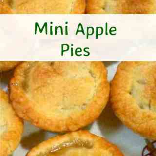 Mini Apple Pies - Easy to make and delicious fresh from the oven!