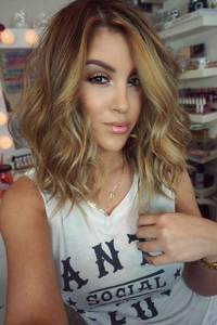 Balyage-Color-Long-Wavy-Bob