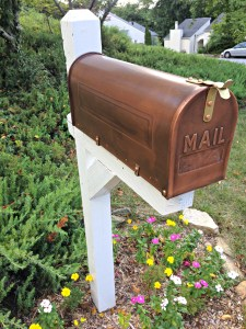 Before and After: Mailbox Makeover
