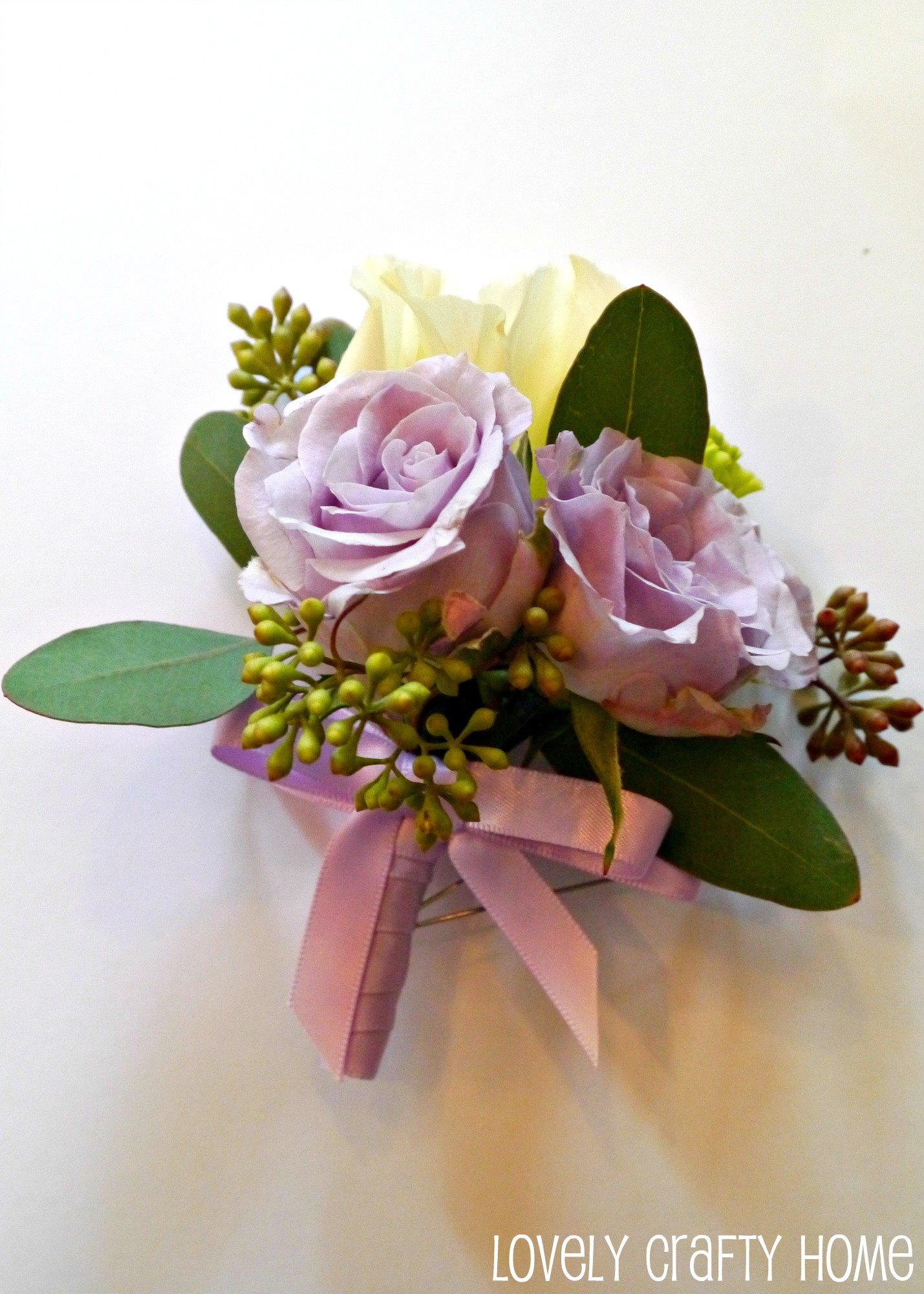 tutorial how to make a corsage like a pro, Beautiful flower