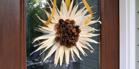 diy corn husk sunflower wreath