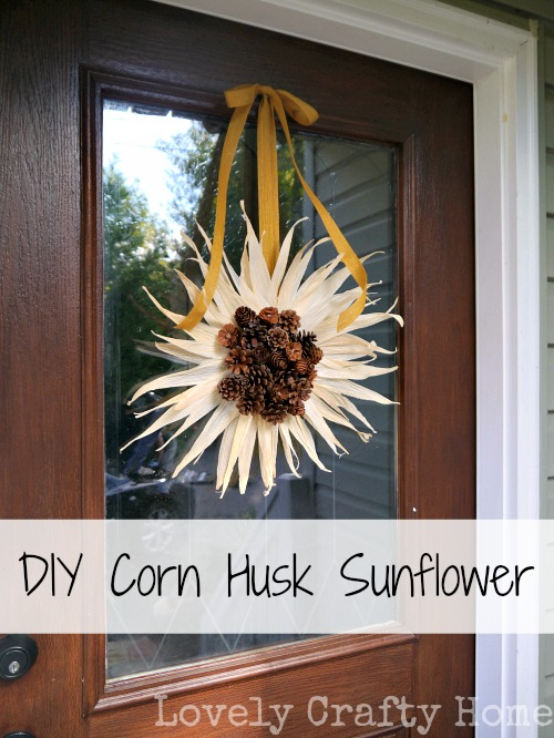 Easy fall craft diy corn husk sunflower for Easy diy fall crafts