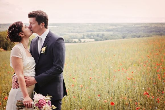 A Vintage Style English Country Garden Wedding... (Weddings )