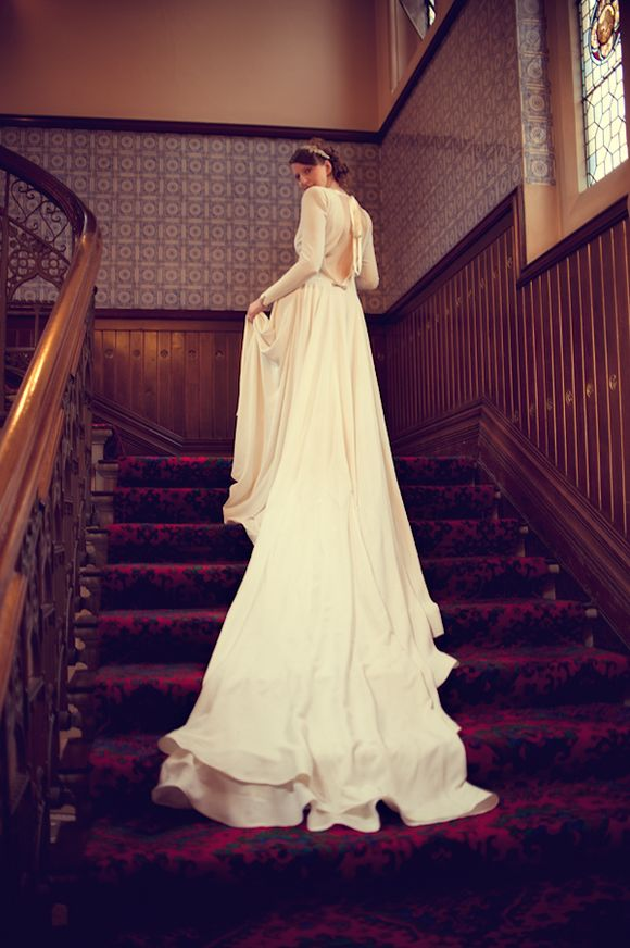 A Stunning, Full Sleeved Original Vintage Wedding Dress for a 1940's Wartime Inspired Bride... (Weddings )