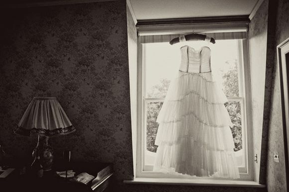 Emma Domb Vintage Wedding Dress Glamour for a London Bride... (Weddings )