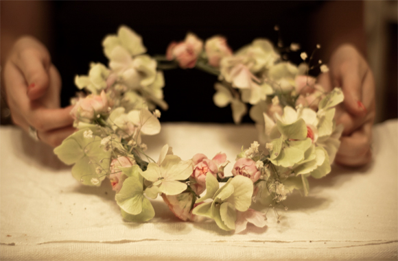How to create your own flower garland headpiece a diy for Can i make my own wedding dress