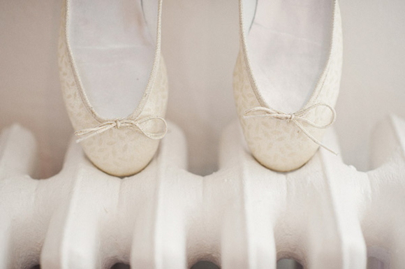 J. Crew and Ballet Flats for a Finnish Lakeside Wedding... (Weddings )