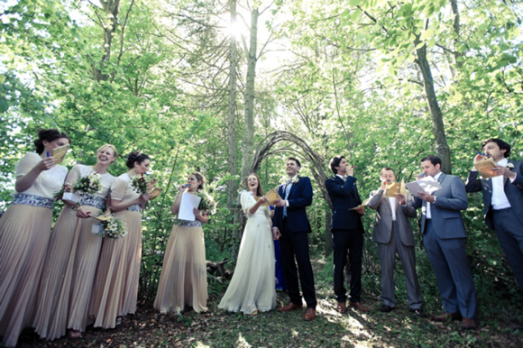 A woodland wedding with daisies