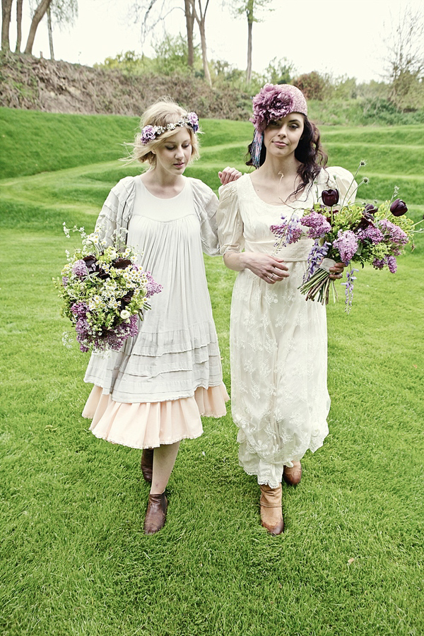 Hippy Bride // Eclectic Bride // Ancient Woodland Inspired Wedding // Photography by Joanna Millington // Venue Keeper And The Dell at Norfolk