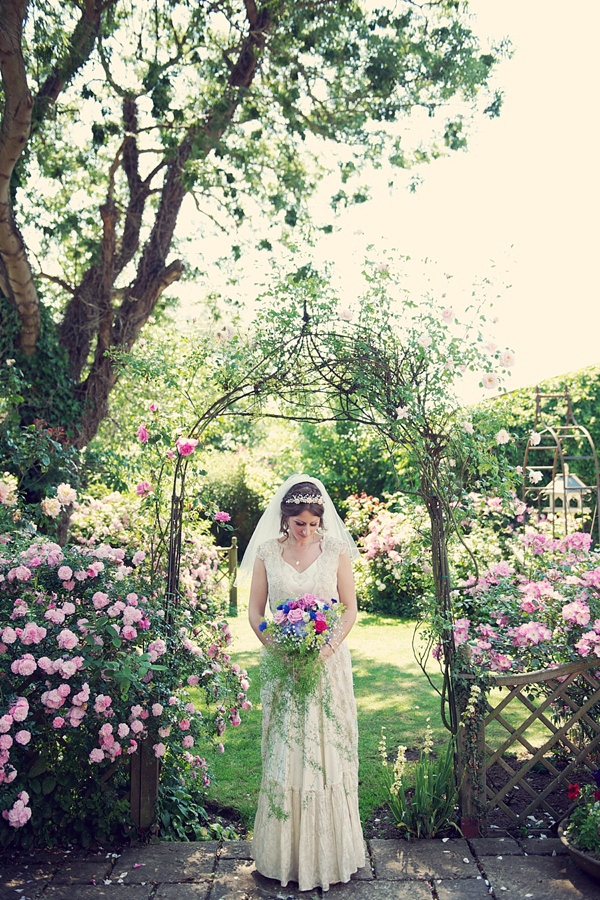 Grandmas wedding dress // 1940s wedding dress // vintage bride // vintage wedding dress // photography by Rebecca Douglas