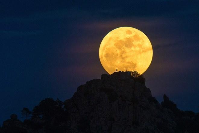 Человек на Луне, Испания