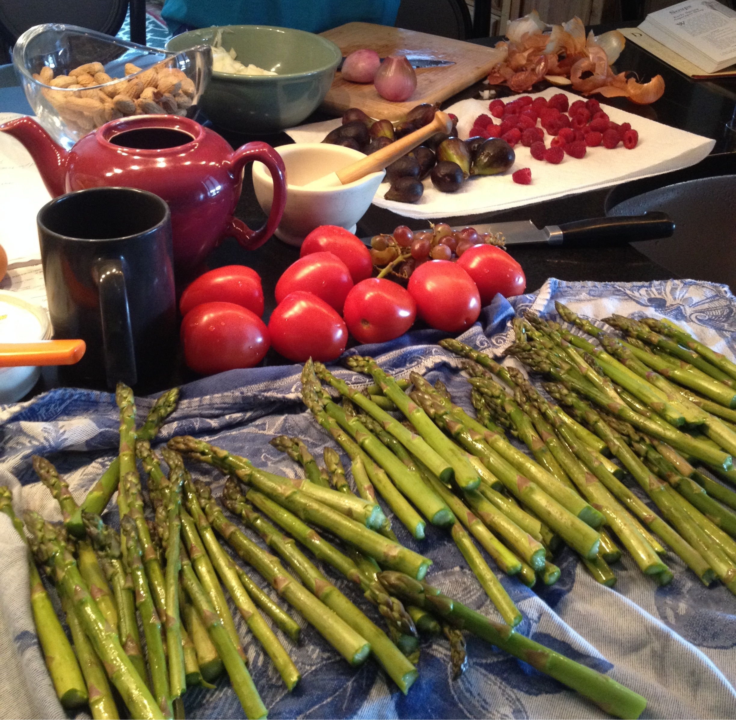 asparagus tomatoes figs raspberries shallots