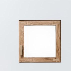 okno-s-hmozdikem-ve-stene-kopie