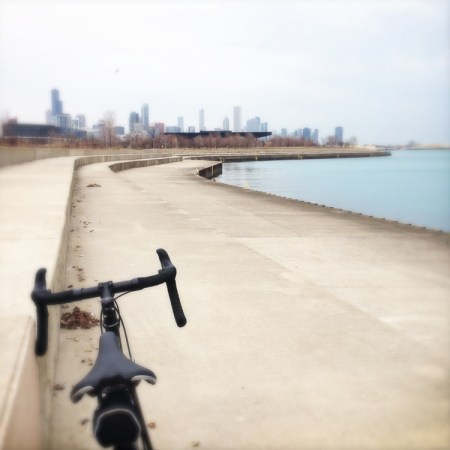 Skyline-Chicago-Lakefront-Bike-Path-soozed