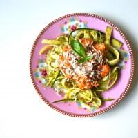 """LCHF """"pasta"""" med kødsovs"""