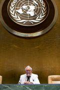 Sanders under UN logo