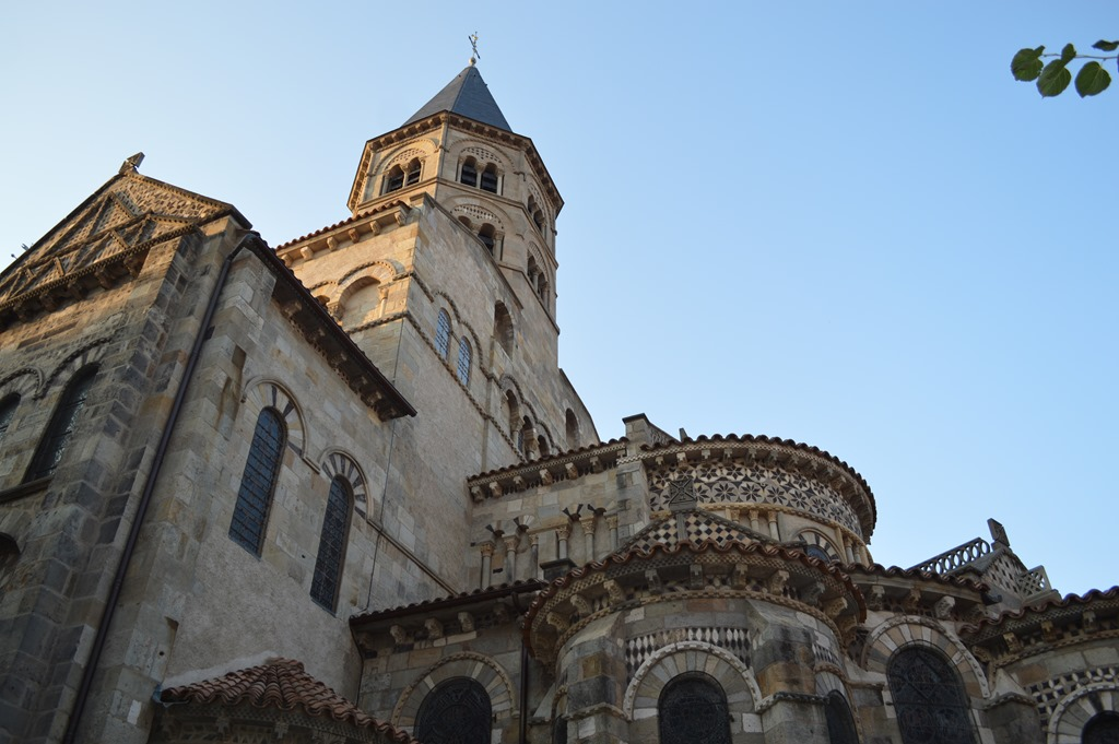 Clermont ferrand impressions - Basilique notre dame du port ...