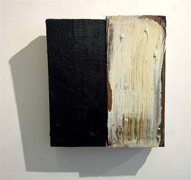 Pinched_2019_oil on wood_34x25cm_£850