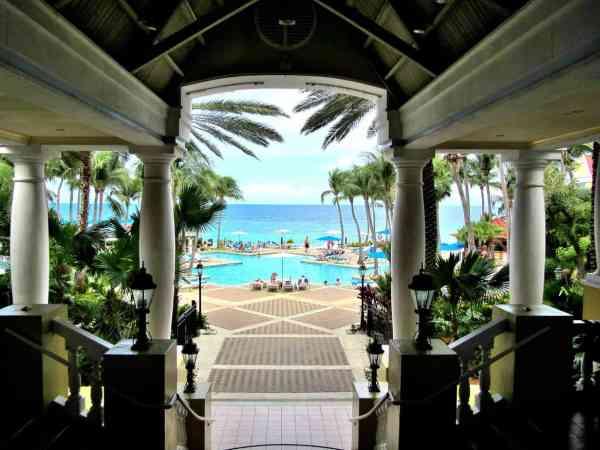 Marriott-Curacao_Patti-Morrow_Luggage-and-Lipstick