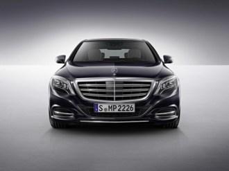 2015-Mercedes-Benz-S600-V12-8