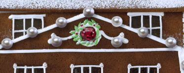Most-Expensive-Gingerbread-House-2