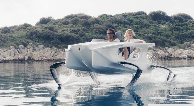Quadrofoil : Voler sur l'eau devient maintenant possible