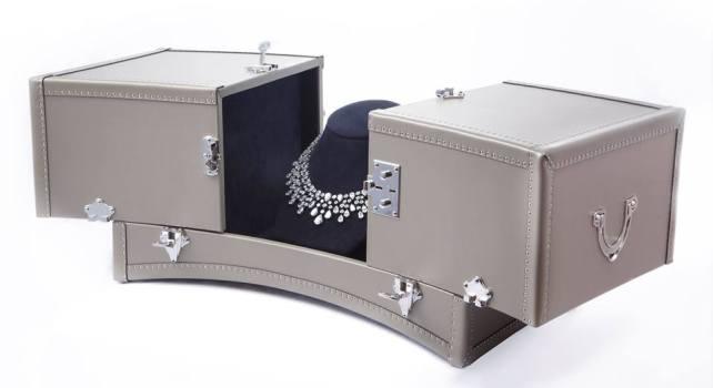 Moynat : Le malletier dévoile un coffre à bijou pour le nouveau collier Chaumet