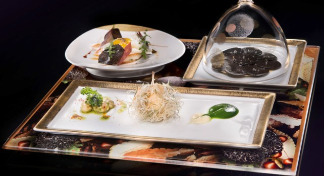 MGM Grand Hotel & Casino Joël Robuchon Restaurant : Un menu à 18 plats
