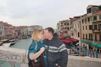 Kissing on the Rialto in Venice, Italy