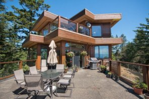 Eco Friendly Sooke Luxury Home