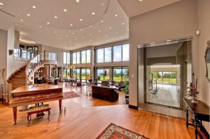 Dixon Estate In Vernon For Sale