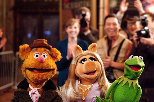 The Muppets 2011 - Fozzie, Miss Piggy and Kermit the Frog