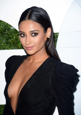 Shay Mitchell - black side boob top