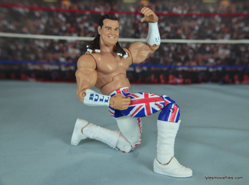wwe-elite-39-the-british-bulldog-figure-review-posing-on-one-knee