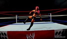 WWE Sasha Banks figure review - entering ring
