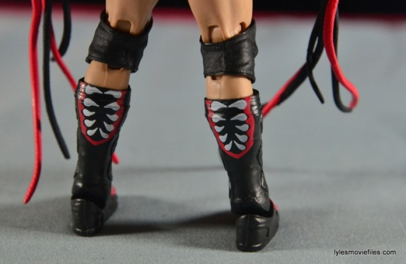 WWE Elite 41 Finn Balor - boot detail
